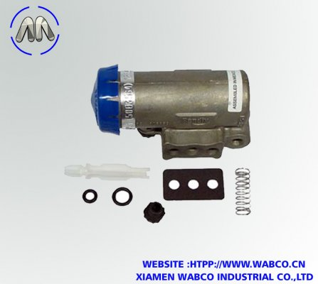 Bendix AD-IS Air Dryers 5004049 Governor and Check Valve Kit