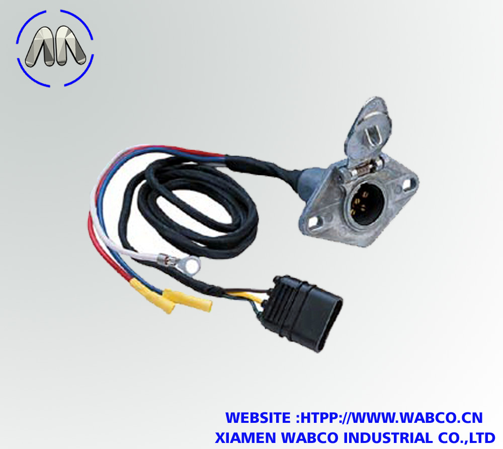 4-Wire Flat to 6-Pole Round Vehicle Wiring Adapter
