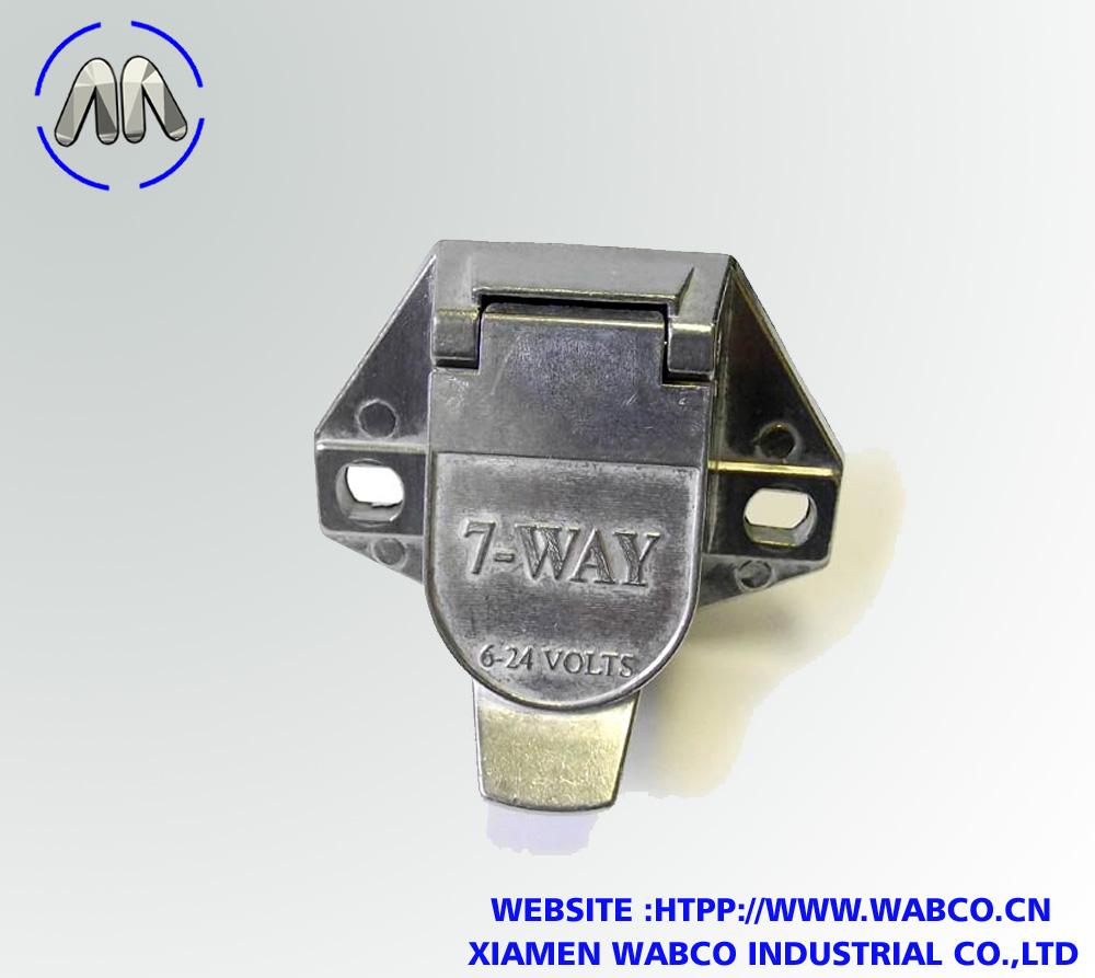 7-Way Trailer Wiring Socket with Split Pins